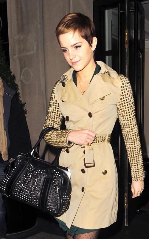 Emma-Watson-Burberry-studded-trenchcoat-1