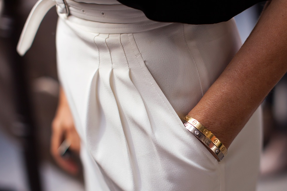 cartier_love_bracelet_gold_street_style_www_izandrew_blogspot_com_1
