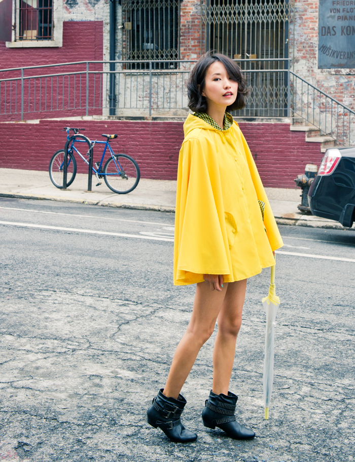 misspouty blog street fashion blogger neon yellow rain hooded cape coat studded biker boots anorak fashionista newyork37