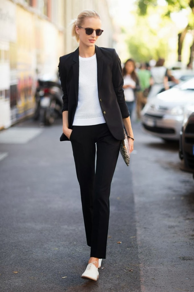Daria-Strokous-Melodie-Jeng-street-style-paris-fashion-week-suit-minimalism-fashion-over-reason