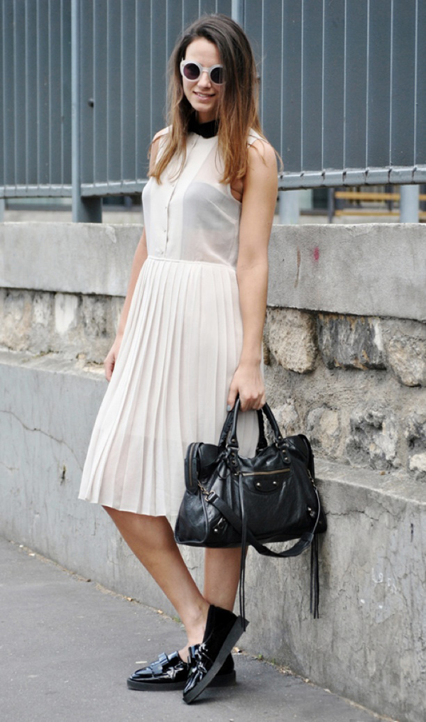 ELLE-TUMBLR-PLEATED-SKIRT-KNEE-LENGTH-ROUND-SUNGLASSES-PETER-PAN-COLLAR-WHITE-DRESS-BALENCIAGA-BAG-PATENT-CREEPER-FLATS