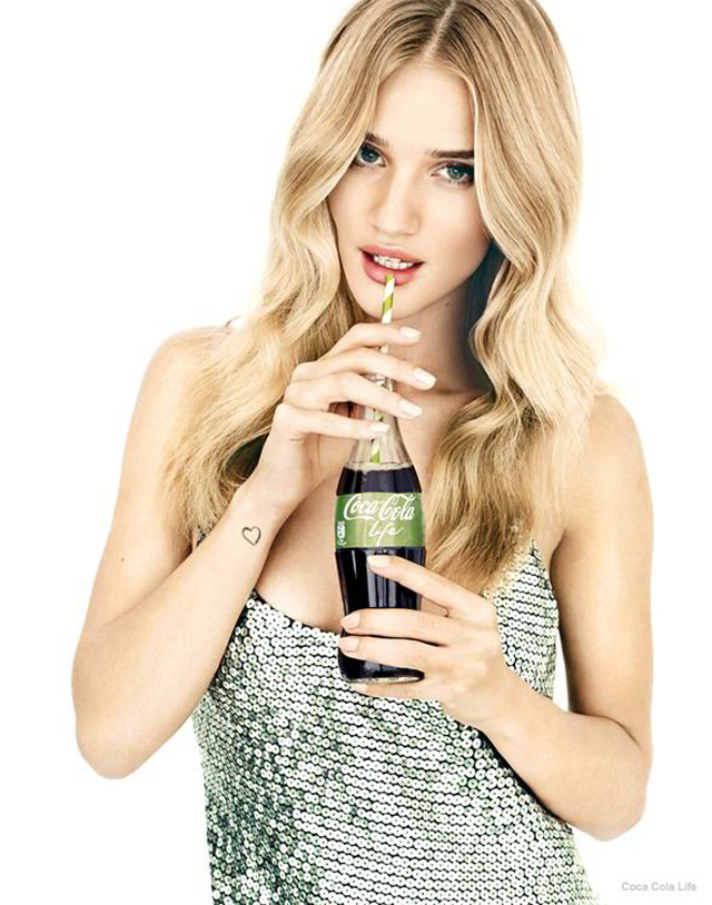 rosie-huntington-whiteley-coca-op
