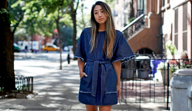Модные джинсовые платья: тандем практичности и стиля
