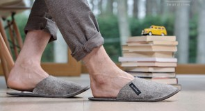 Мужские тапочки в 2018: мода на комфорт